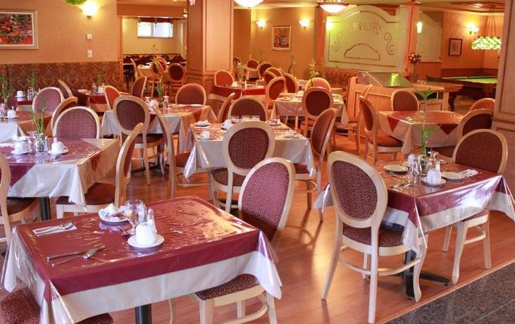 Residence-Le Bourg Joie - salle a diner